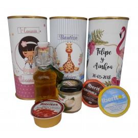 Detalle gourmet en lata con Aceite de Oliva Virgen extra, queso de torta, paté, queso azul y jamón curado