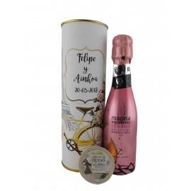 Lata PERSONALIZADA con vino espumoso rosado con tarrina de queso de cabra