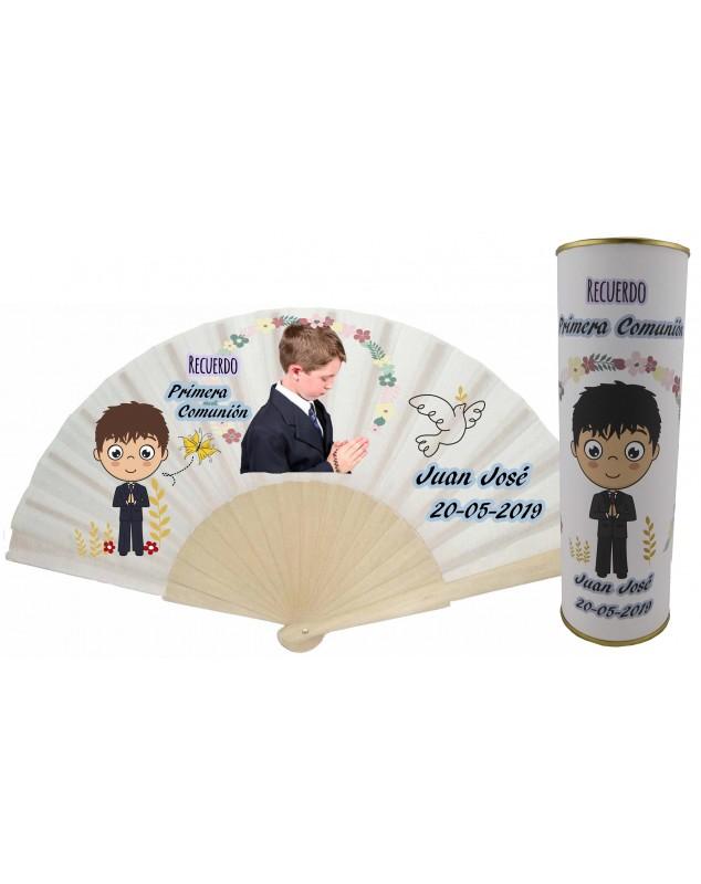 Abanico varillas de madera PERSONALIZADO con foto y texto de Comunion niño con rezando y paloma en lata